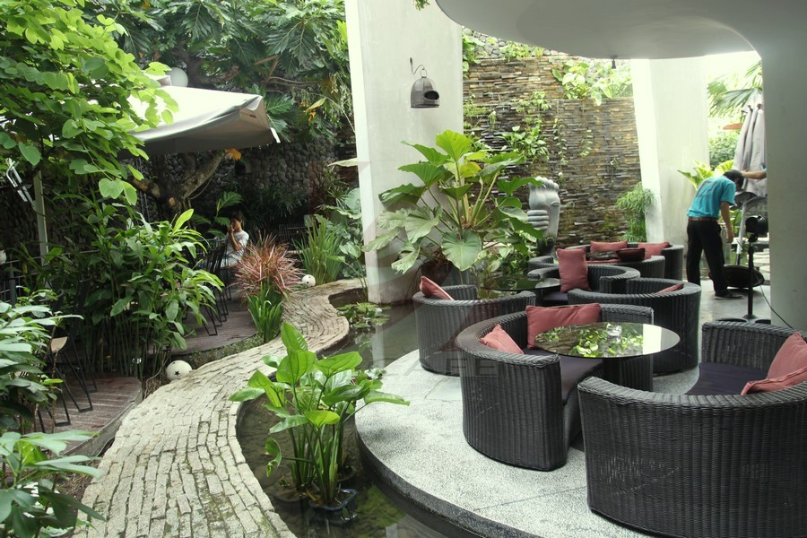 Thi công tiểu cảnh quán cafe sân vườn